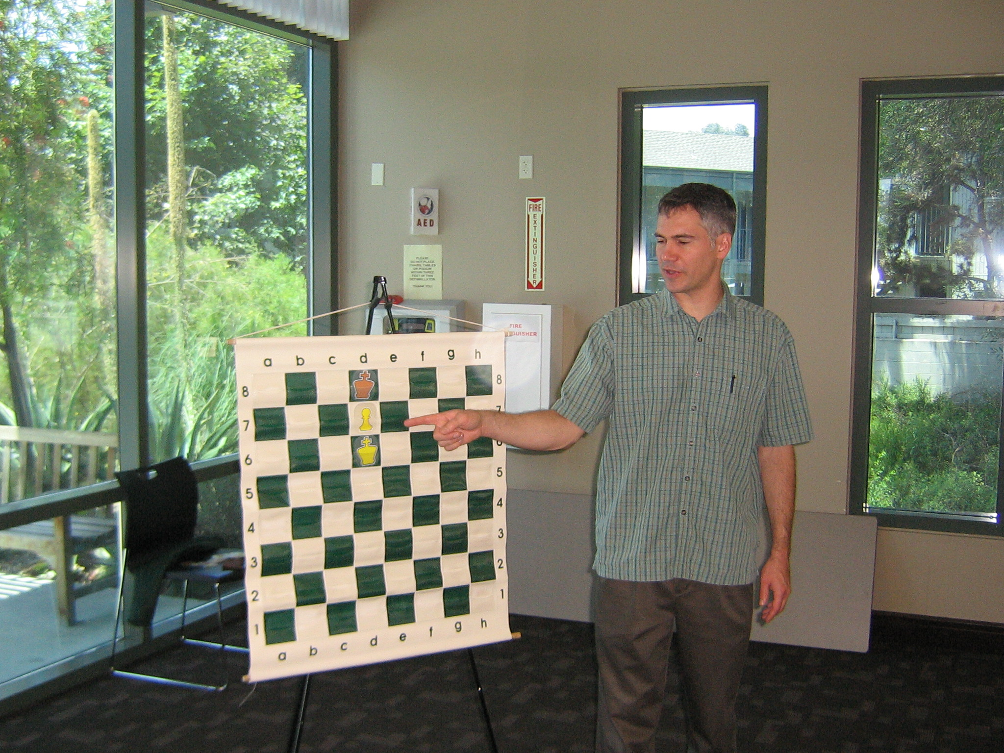 http://www.chessinstructor.net/blog/wp-content/uploads/2010/06/IMG_3488.jpg